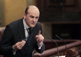 """Agirretxea (PNV) asegura que """"no hay nada"""" con el PP sobre presupuestos y cree que Rajoy piensa prorrogar los actuales"""