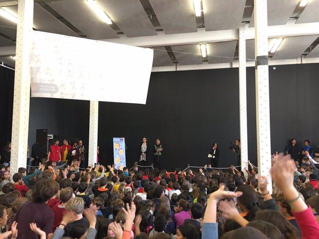 Ada Colau y Carmen Andrés encargan el pregón de Santa Eulàlia