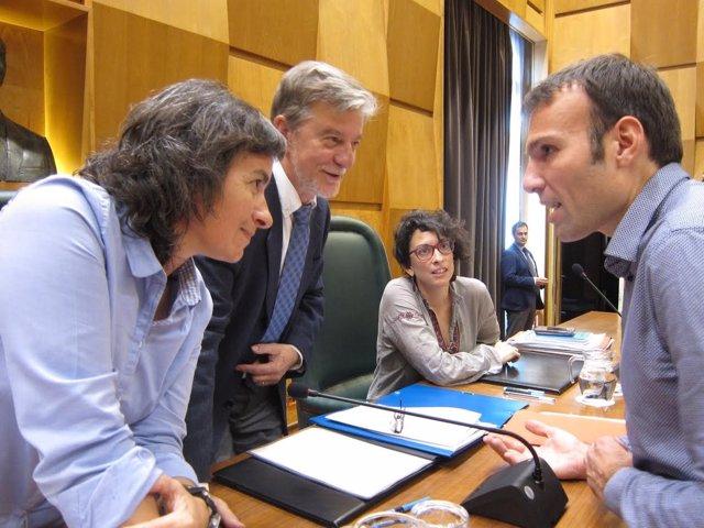 Muñoz, junto al alcalde y Luisa Broto
