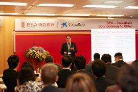 CaixaBank y The Bank of East Asia refuerzan sus servicios para empresas en China