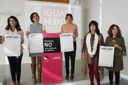 Ana Mata junto a Loures Burgos en la presentación.