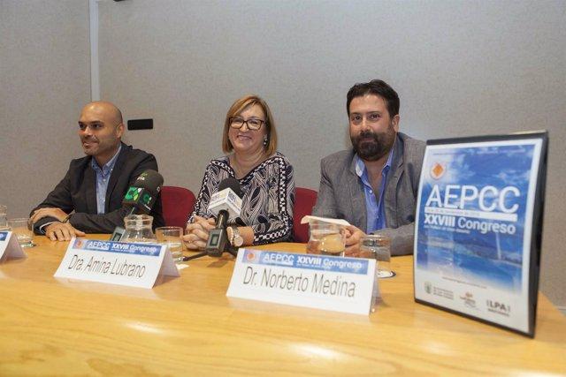 La doctora Amina Lubrano  coordina el Congreso de Patología Cervical