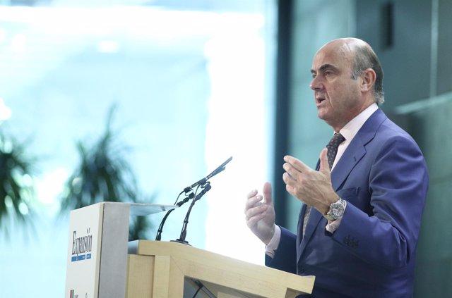 Luis de Guindos clausura el VII Encuentro Financiero Expansión-KPMG