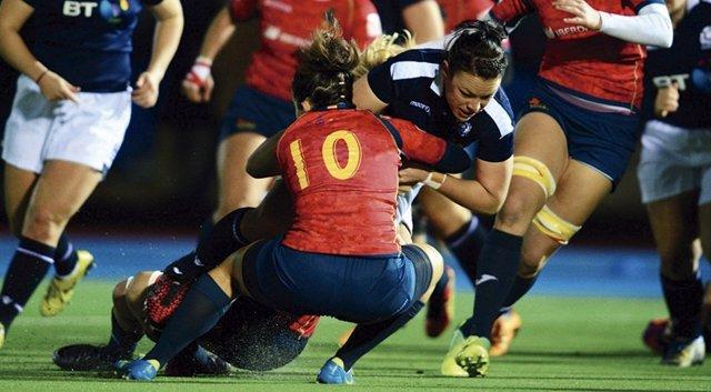 Las 'Leonas' ganan (5-10) la ida contra Escocia y se acercan al Mundial
