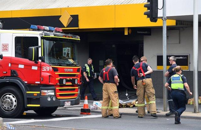 Incendio provocado en sucursal bancaria en Australia