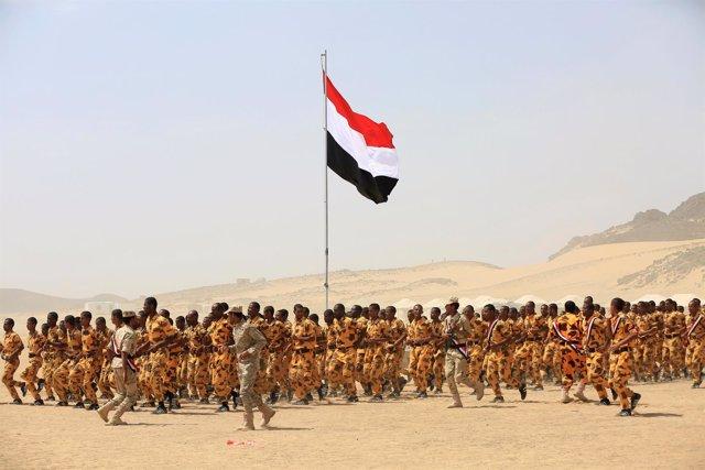 Soldados progubernamentales en Yemen