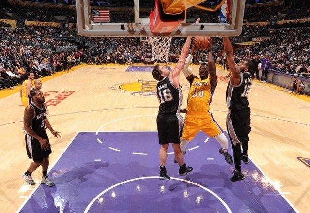 Pau Gasol José Manuel Calderón San Antonio Spurs Los Angeles Lakers