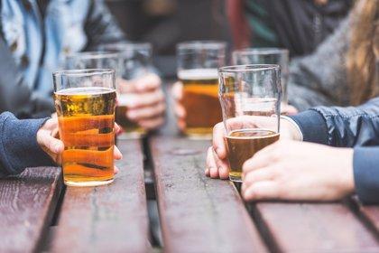 La ingesta de alcohol en adolescentes puede causarles trastornos mentales