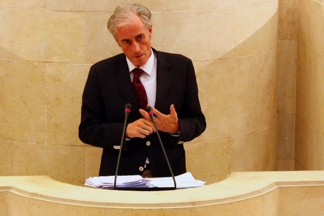 José Manuel Igual en el Parlamento de Cantabria