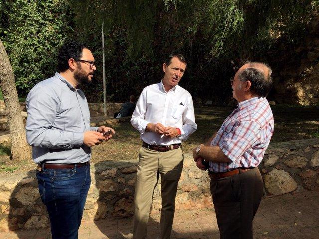 El PSOE pide al PP que embellezca el barrio de La Esperanza de Almería