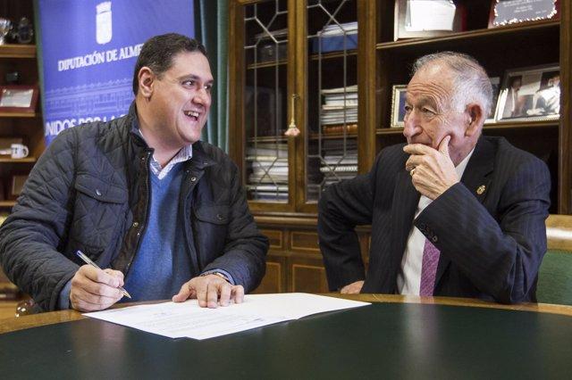 Firma del convenio de Diputación y Ayuntamiento de Canjáyar