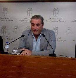 Carlos Suárez.