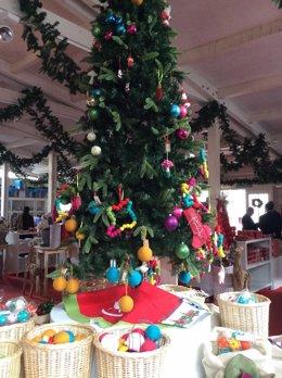 Árbol De Navidad, Fiestas Navideñas, Adornos, Regalos, Guirnaldas