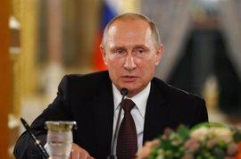 """Putin acusa a la OTAN de """"buscar un enemigo externo"""" en Rusia y critica la ampliación aliada"""