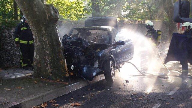 Foto del accidente en la avenida del Faro, en Mataleñas