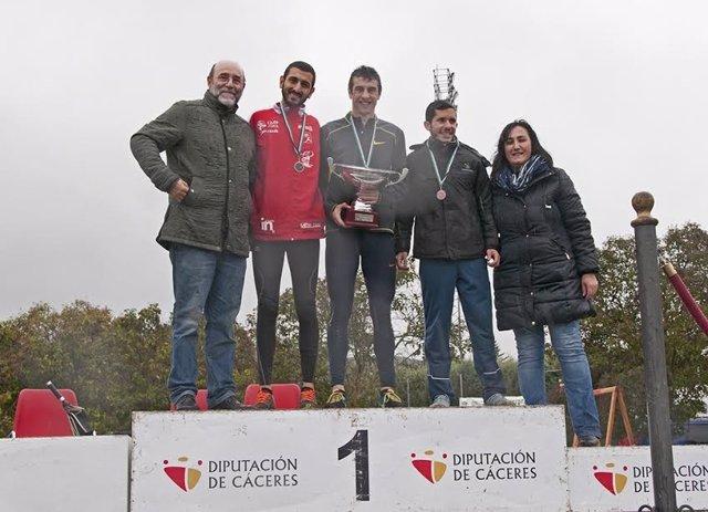 Podio del Trofeo Campo a Través de la Diputación de Cáceres