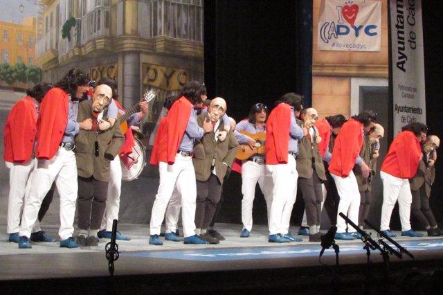 Chirigota 'Si me pongo pesao me lo dices', del Carnaval de Cádiz 2016