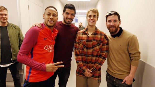 Justin Bieber con Neymar, Suárez y Messi en Barcelona