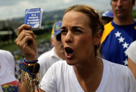 """La mujer de Leopoldo López pide a la MUD que abandone el diálogo y retome la """"lucha"""" contra Maduro"""