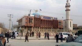 """España condena """"firmemente"""" el atentado suicida en una mezquita chií en Kabul"""