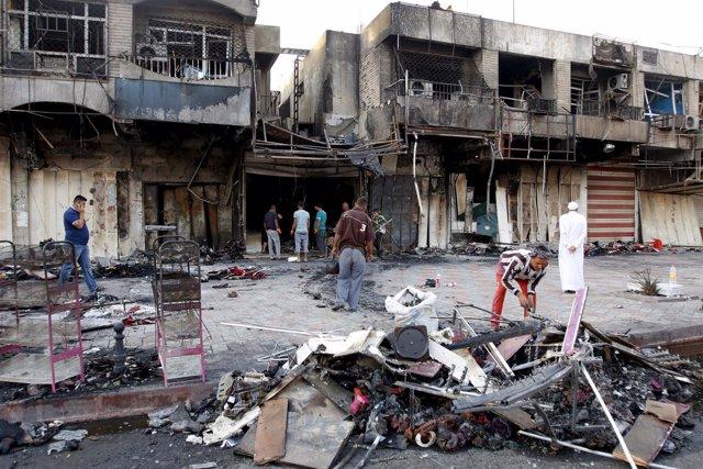 Efectos de un atentado en Bagdad, la capital de Irak