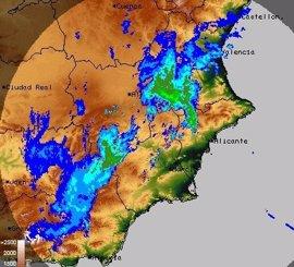 Llueve con fuerza con el interior norte de Alicante e interior sur de Valencia