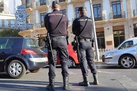 Detenidos cuatro jóvenes por agredir a cinco chicos en Almería, a uno de ellos con navaja