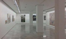 La exposición 'Historias del Camino' intercambia las obras de sus dos sedes en Badajoz y Cáceres