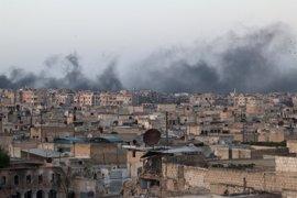 El Ejército sirio reclama a los rebeldes que abran los almacenes de alimentos en el este de Alepo
