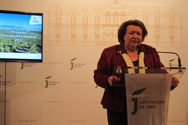 Pilar Parra presenta los presupuestos de la Diputación de Jaén para 2017.
