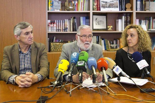 Ramón Ruiz con Pilar Lobeto y Antonio Ruiz Moya, del comité de directores