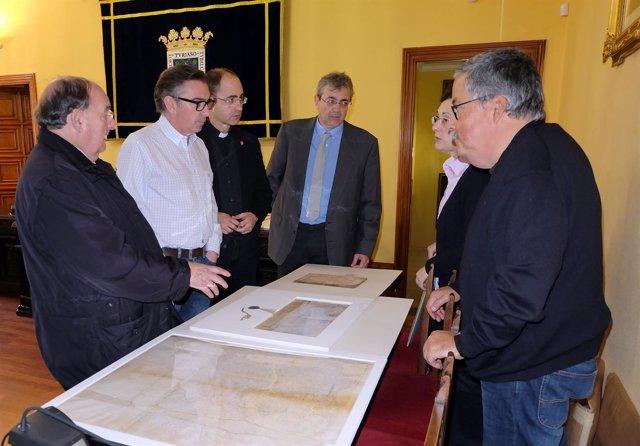 Los libros y documentos han sido devueltos tras su restauración al Ayuntamiento