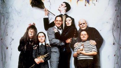 La Familia Addams cumple 25 años: 25 cosas que (quizá) no sabías de Morticia, Fétido y compañía