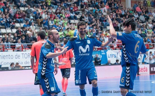 Ricardinho celebra uno de los goles ante el Burela