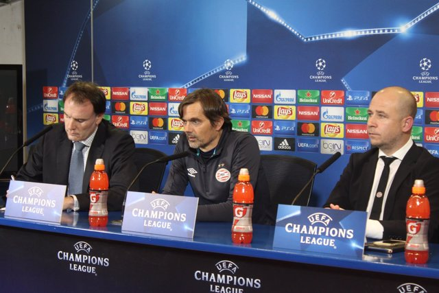 El entrenador del PSV Eindhoven, Phillip Cocu