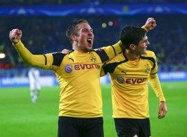 El Dortmund golea al Legia con récord y Mónaco y Leicester, a octavos como primeros