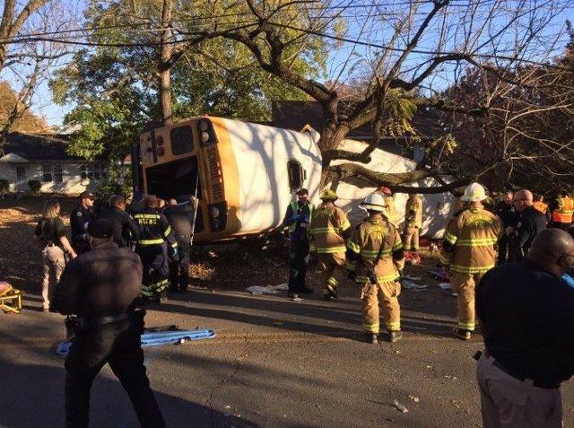 Accidente de autobús escolar en Chattanooga, Tennessee