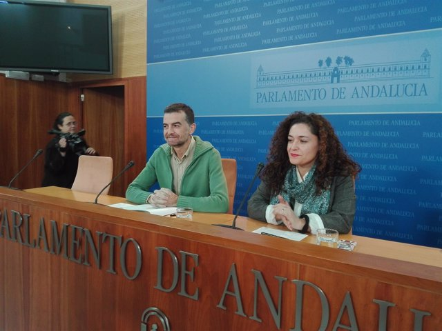 Antonio Maíllo e Inmaculada Nieto, hoy en rueda de prensa