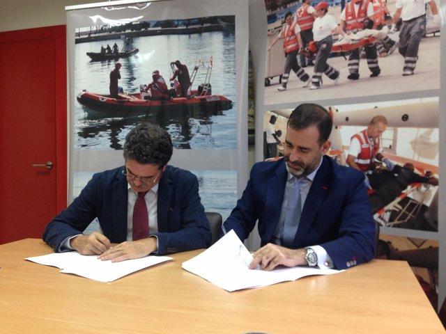 Faustino Herrero y Sergio Lomban firman convenio entre Cruz Roja y SGS