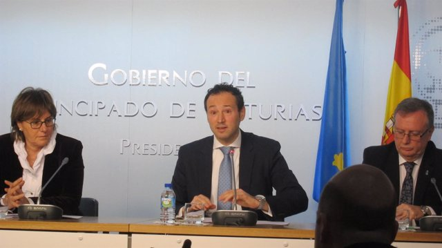 Los consejeros asturianos Varela, Martínez y Del Busto