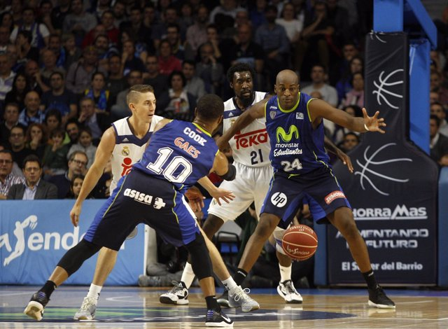 Omar Cook Y  Ali Traore (MOVISTAR ESTUDIANTES - REAL MADRID)