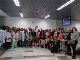 El Hospital Costa del Sol clausura la exposición '10 años de miradas' que organiza la AECC