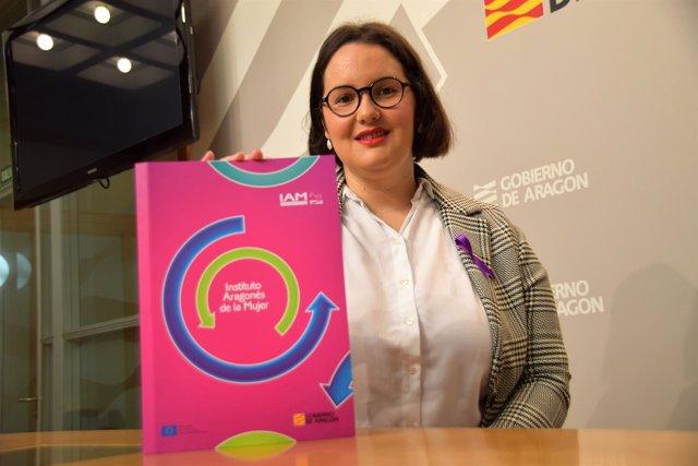 La directora del IAM, Natalia Salvo, presentando el informe, este miércoles.