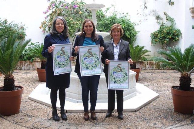 Carrillo (centro) presenta la Fiesta del Aceite Fresco de Cabra