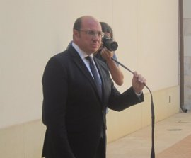 """Presidente murciano advierte que """"nadie tiene que juzgar antes que la Justicia"""" y asegura que dará la cara"""