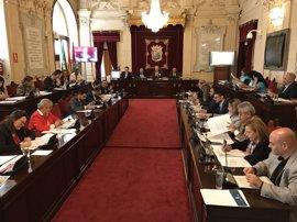 """Los """"falsos autónomos"""", el saneamiento y el plan turístico, a debate en el pleno de Málaga"""