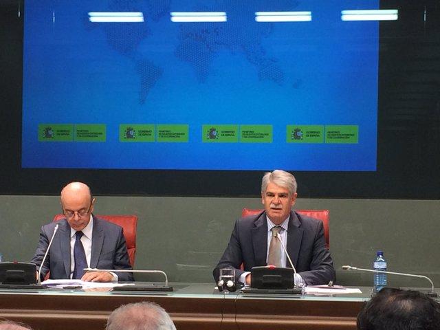 Dastis y el ministro de Exteriores de Brasil, José Serra