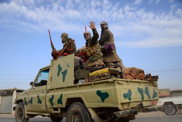 Milicias chiíes en la ofensiva sobre Mosul