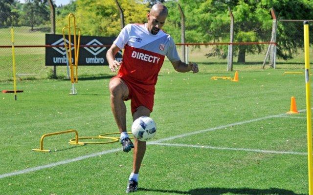 Verón entrena con Estudiantes para volver al fútbol profesional