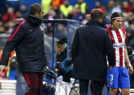 Filipe Luis sufre una contractura muscular en el muslo izquierdo